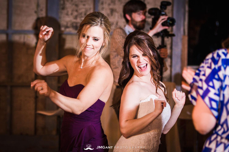 Anthony Chapel Wedding | dancing | Hot Springs Arkansas Wedding photographer | © JMGant Photography | http://www.jmgantphotography.com/