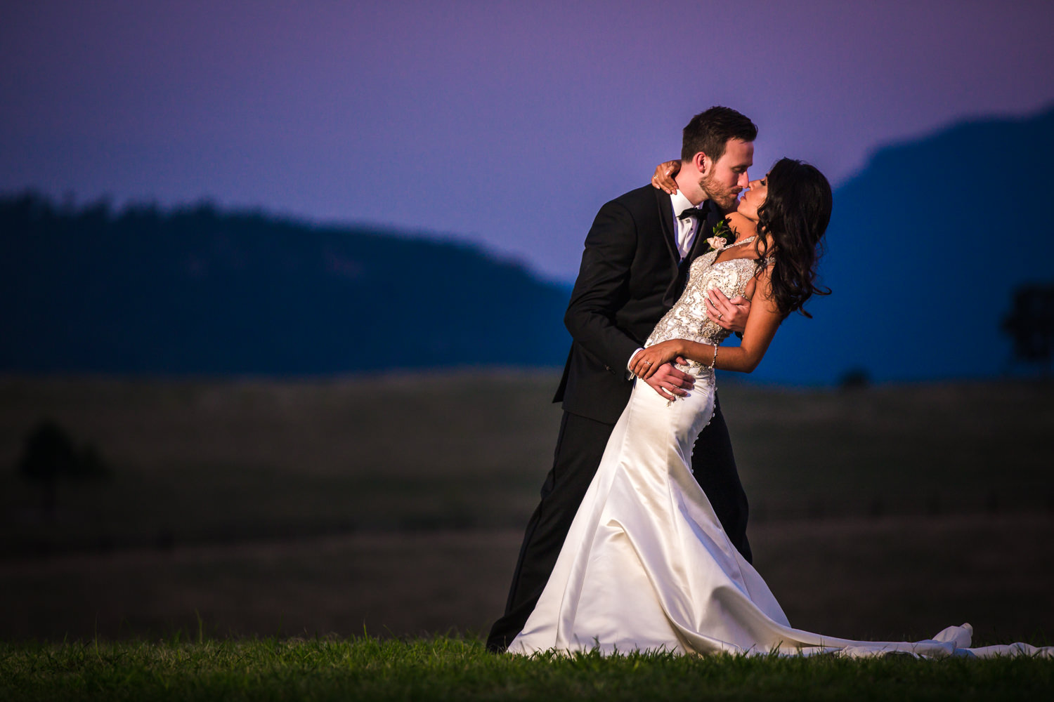Spruce Mountain Ranch Wedding | Larkspur Colorado wedding photographer | © JMGant Photography | http://www.jmgantphotography.com/