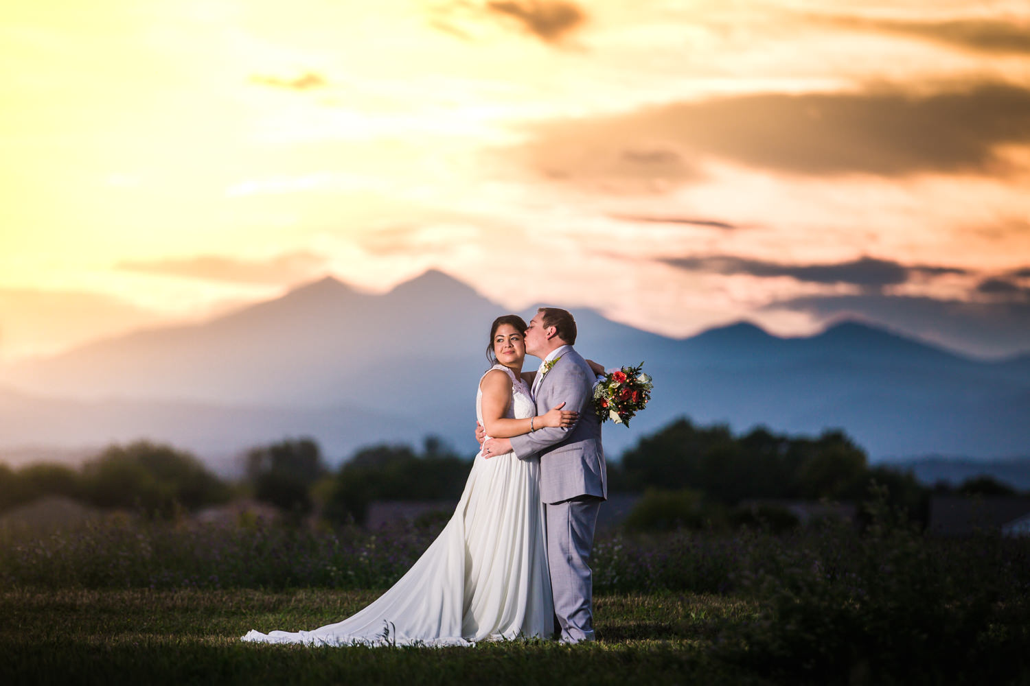 Brookside Wedding | Berthoud Colorado wedding photographer | © JMGant Photography | http://www.jmgantphotography.com/