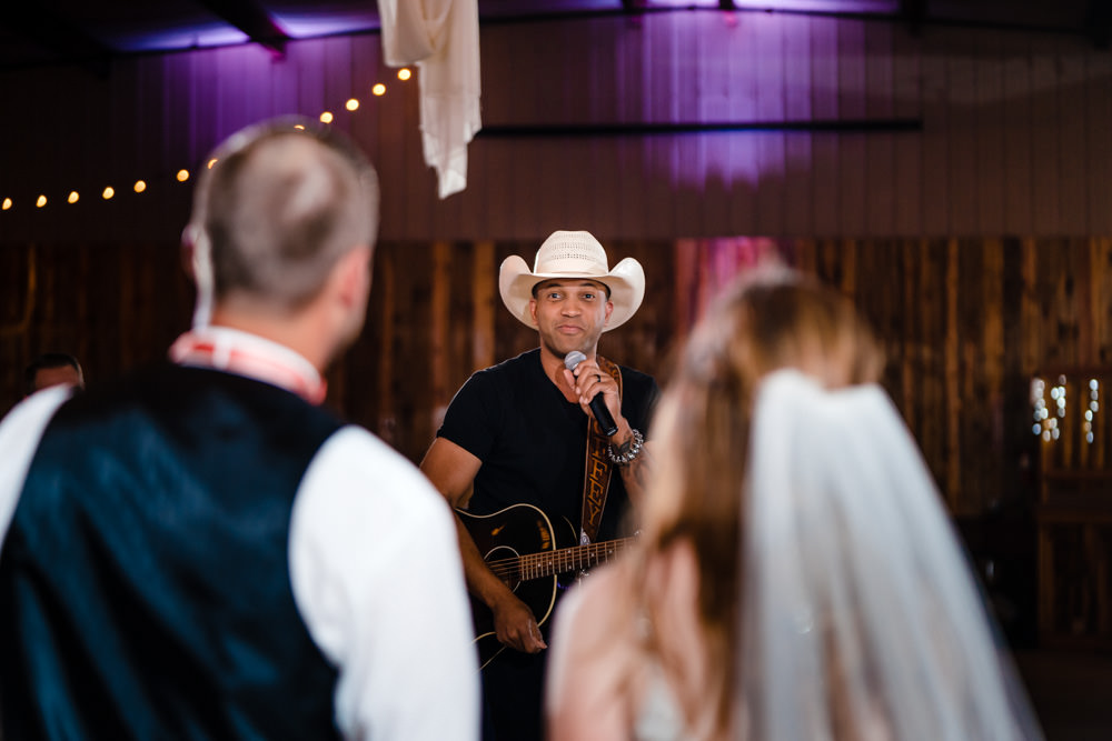 Coffey Anderson's surprise wedding visit at Ellis Ranch in Loveland Colorado. Photography by JMGant Photography