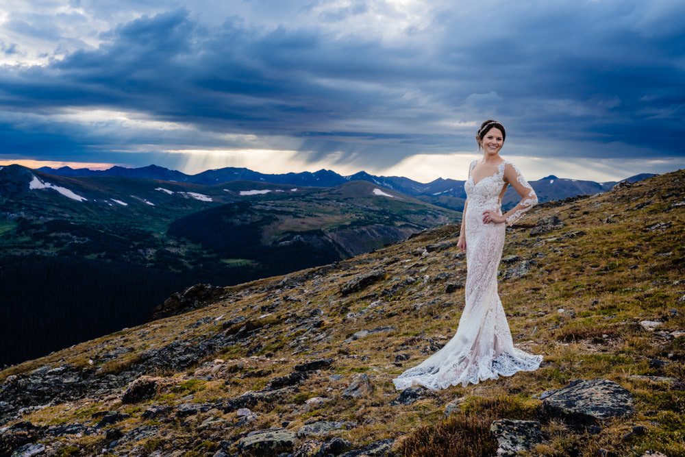 13-Estes Park's Black Canyon Inn wedding photographer.jpg