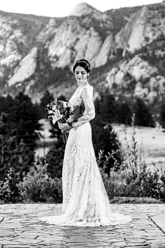 Black Canyon Inn wedding captured by Estes Park photographer, JMGant Photography | Nicole and Ben