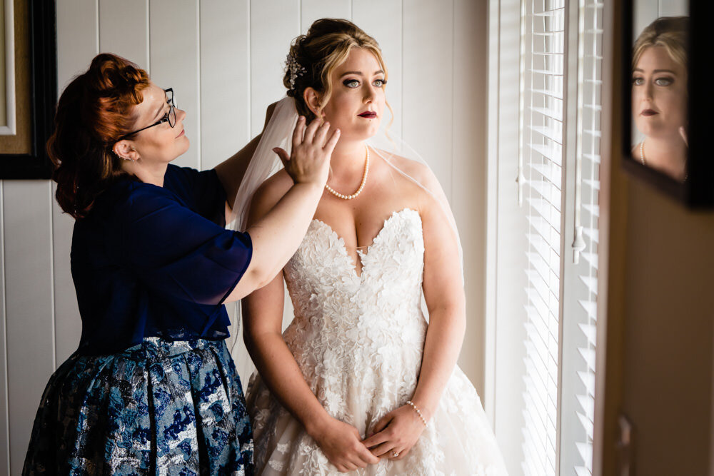The Manor House at Pleasant Beach wedding photographed by Seattle destination photographer, JMGant Photography