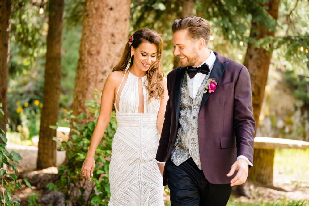 Blackstone River Ranch wedding by Idaho Spring Photographer, JMGant Photography | LeeAna and Matt
