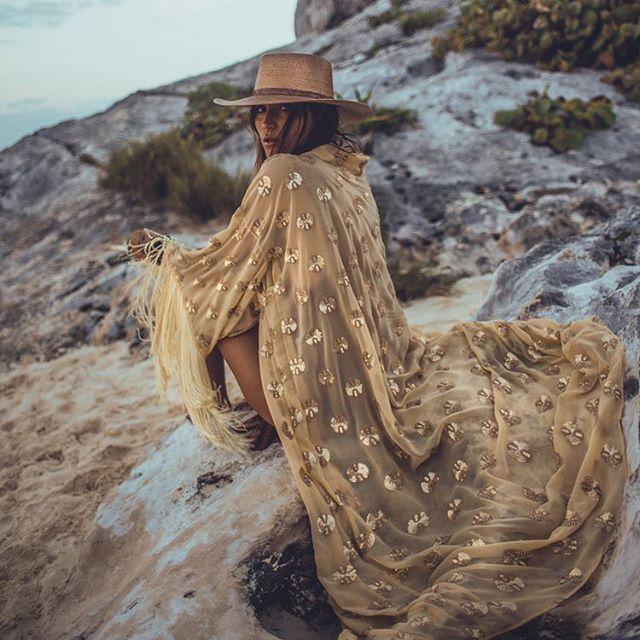 Live your best Kimono life #kimonolover • • • • #voguemexico #tulummexico #tulumphotographer #tulumstyle #tulumbeach #Playa #tulumresort #tulumfashion #Caribbean #sea #sand #photography #insidertulum #CALOtulum #bravogreatphoto #picoftheday #instagood #WLYG #instagoodmyphoto #fabulousshot #photohunted  #thelightsofbeauty