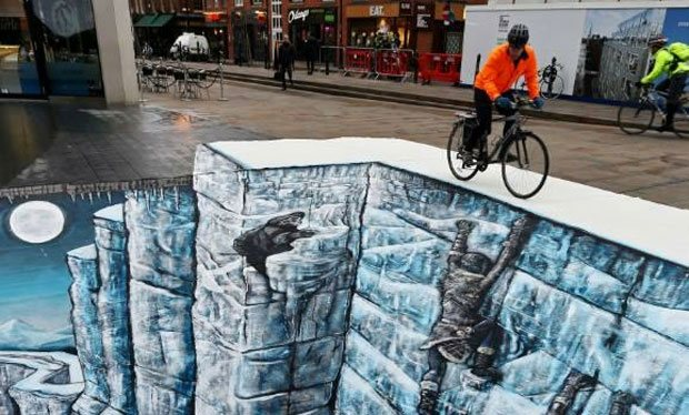 Political chasm ... winter is coming. 3D graffiti on London streets