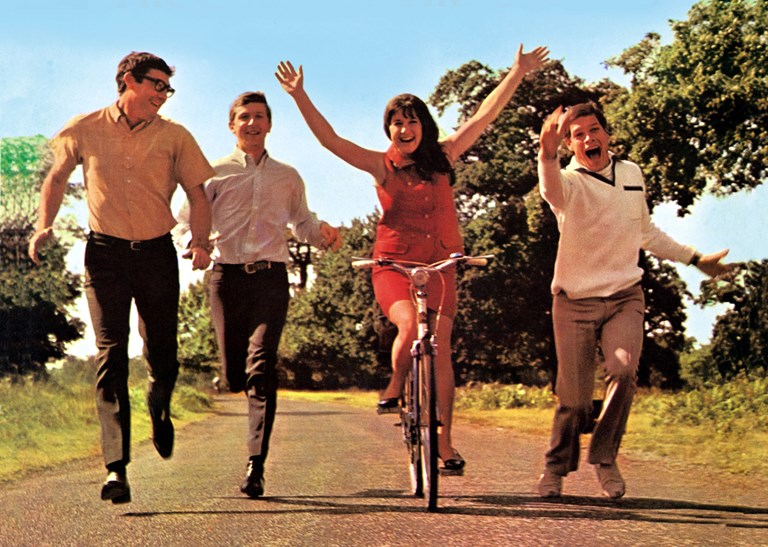 The Seekers … look no hands.