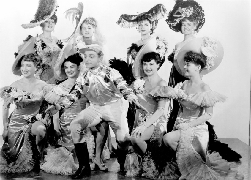 James Cagney and chorus in Yankee Doodle Dandy (1942)