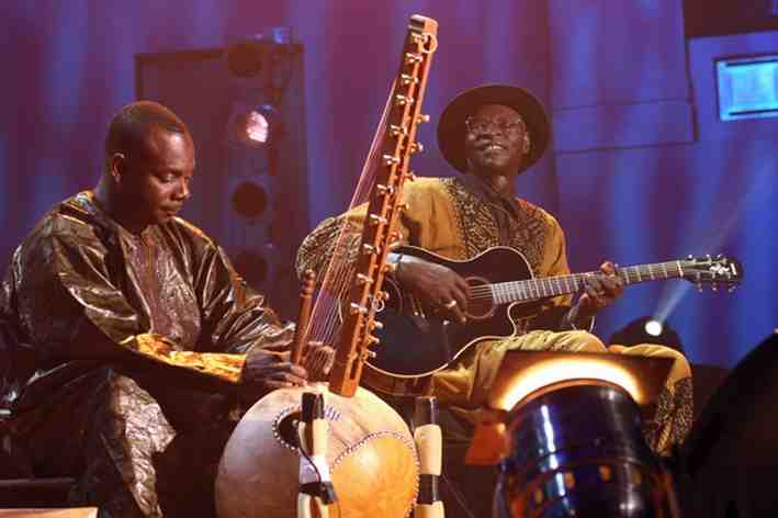 Ali Farka Touré (right) with Toumani Diabaté