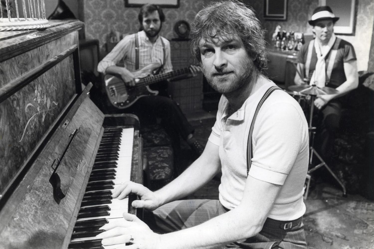 Pub perfection: Chas Hodges on piano, with Dave Peacock on bass