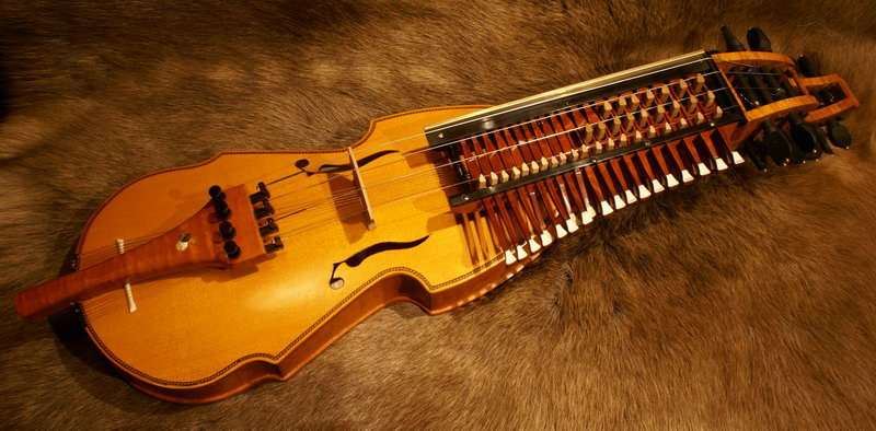 A 16-string chromatic nyckelharpa