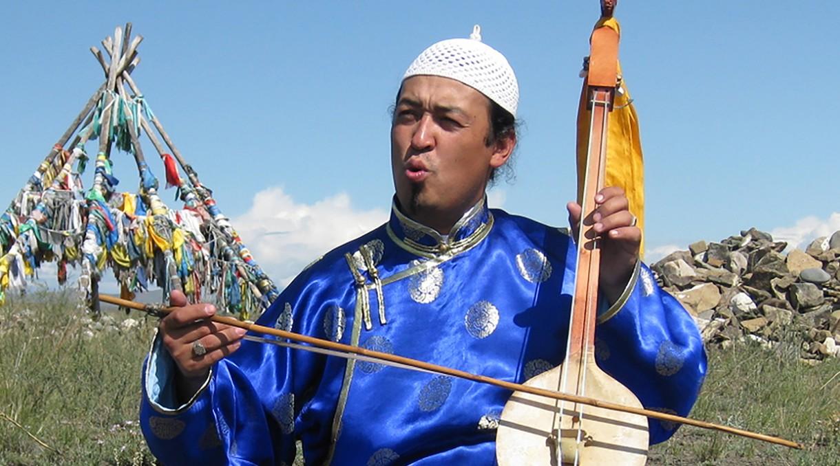 Tuvan musician Evgeny Saryglar on the igil