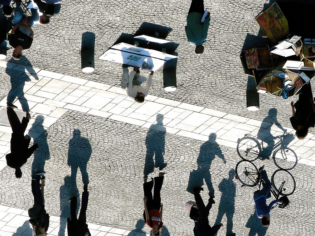 Shadow play. Where? On the square