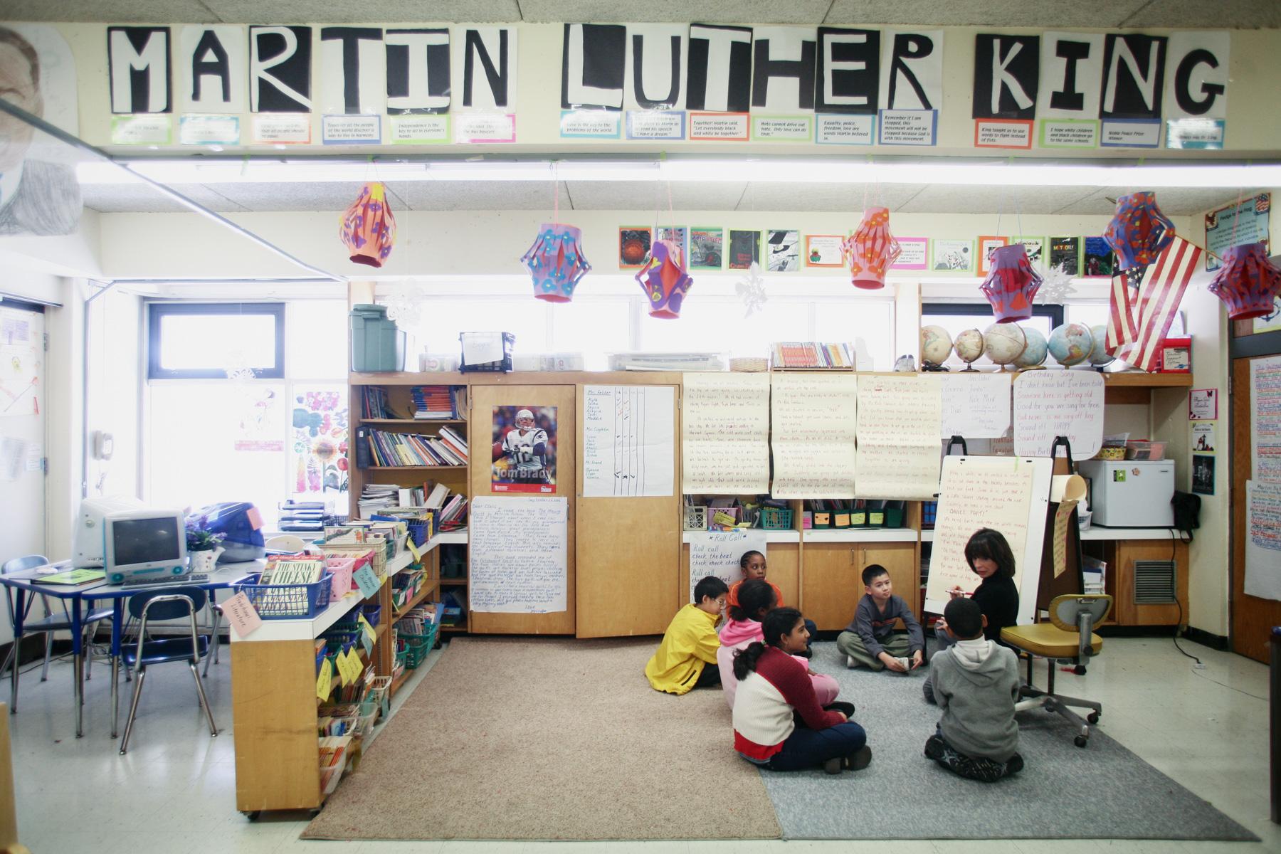 elementary-school-classroom-1.jpg