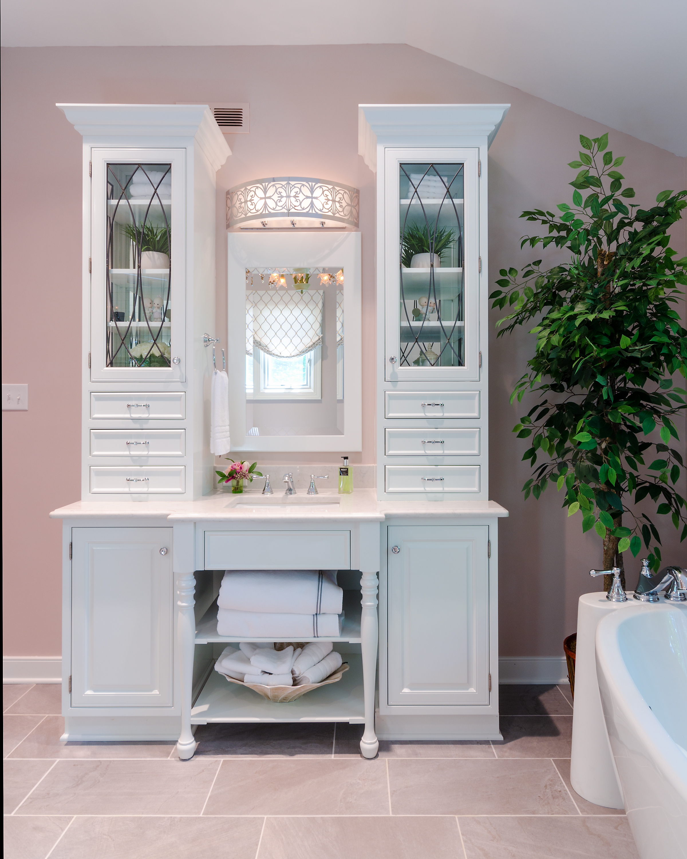 Custom-Kitchens-Wolenberg-Master-Bath-Vanity-Tub-52214.jpg