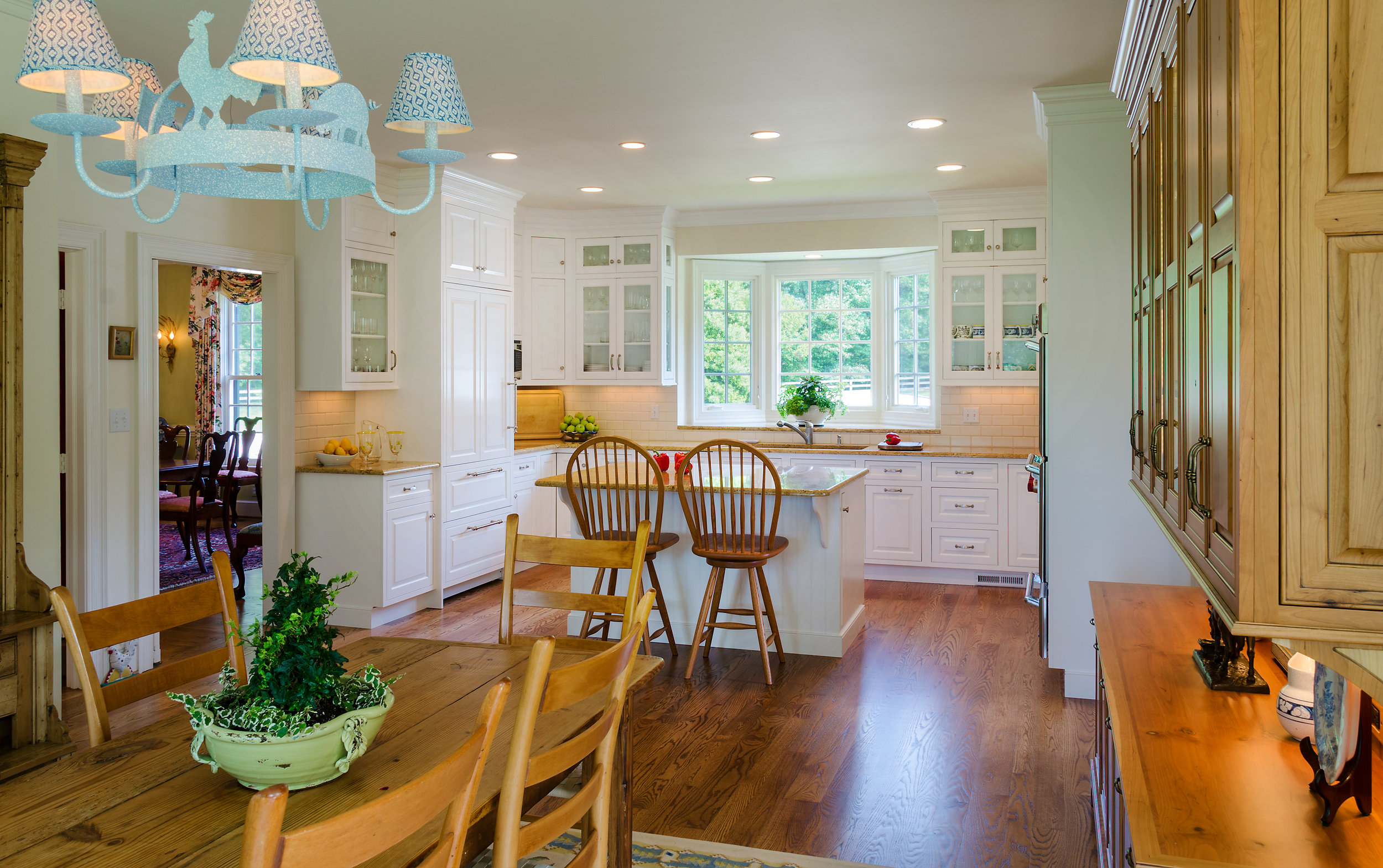 Custom-Kitchens-Armstrong-Kitchen-52813-Overall-plant.jpg
