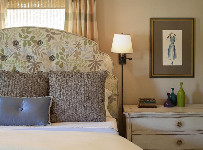 Victorian_Reux_Bedroom2-b.jpg