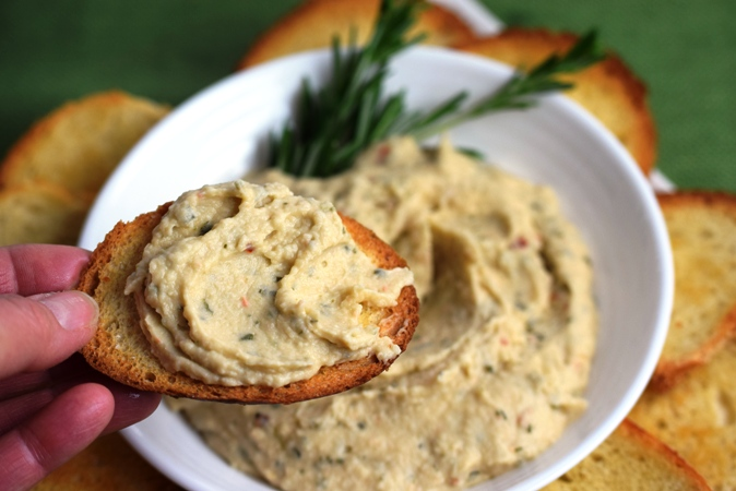Spicy Tuscan Bean Dip with Crostini