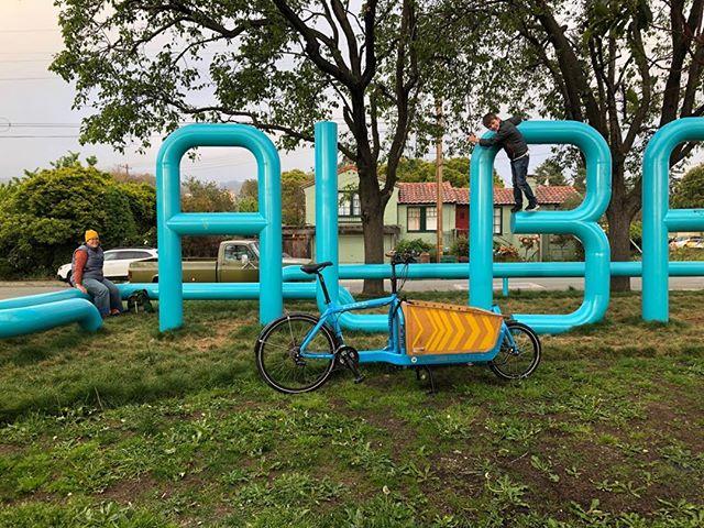 #Bullitt cargo bike. Sign says Albany