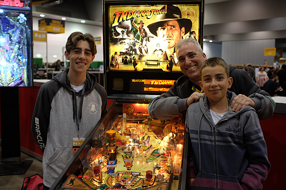 Jordan (left) poses for a photograph at the 2016 PAX Australia event - photo by    ausretrogamer.com