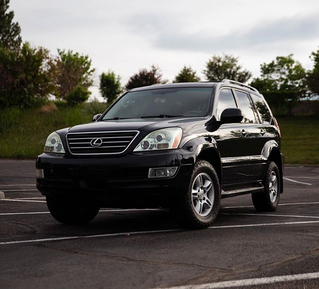 Well here it is, my 2006 Lexus GX 470, 4.7l V8 non KDSS. Let this be known, this is not supposed to be a direct replacement for the Jeep, this is still going to be an off-road/camping vehicle, just not going to be beat on the rocks. (Well maybe) Anyways Let the build begin.