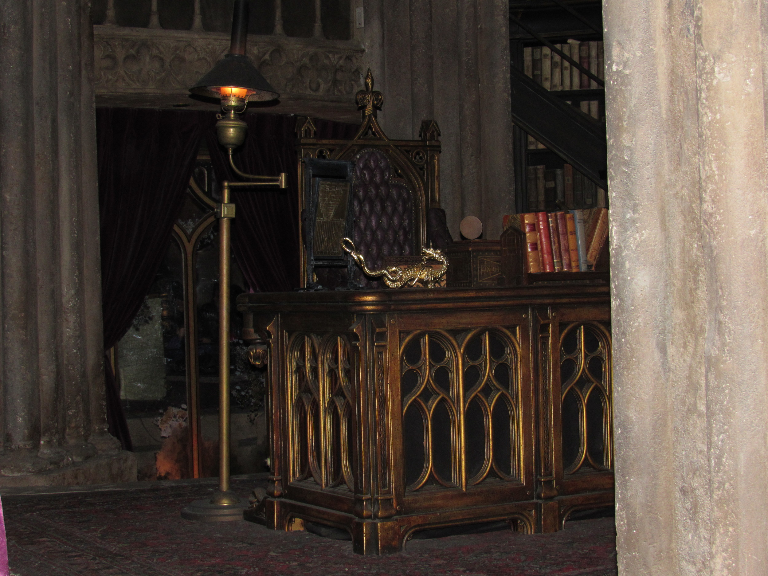 Dumbledore's Desk Located in the Forbidden Journey Queue