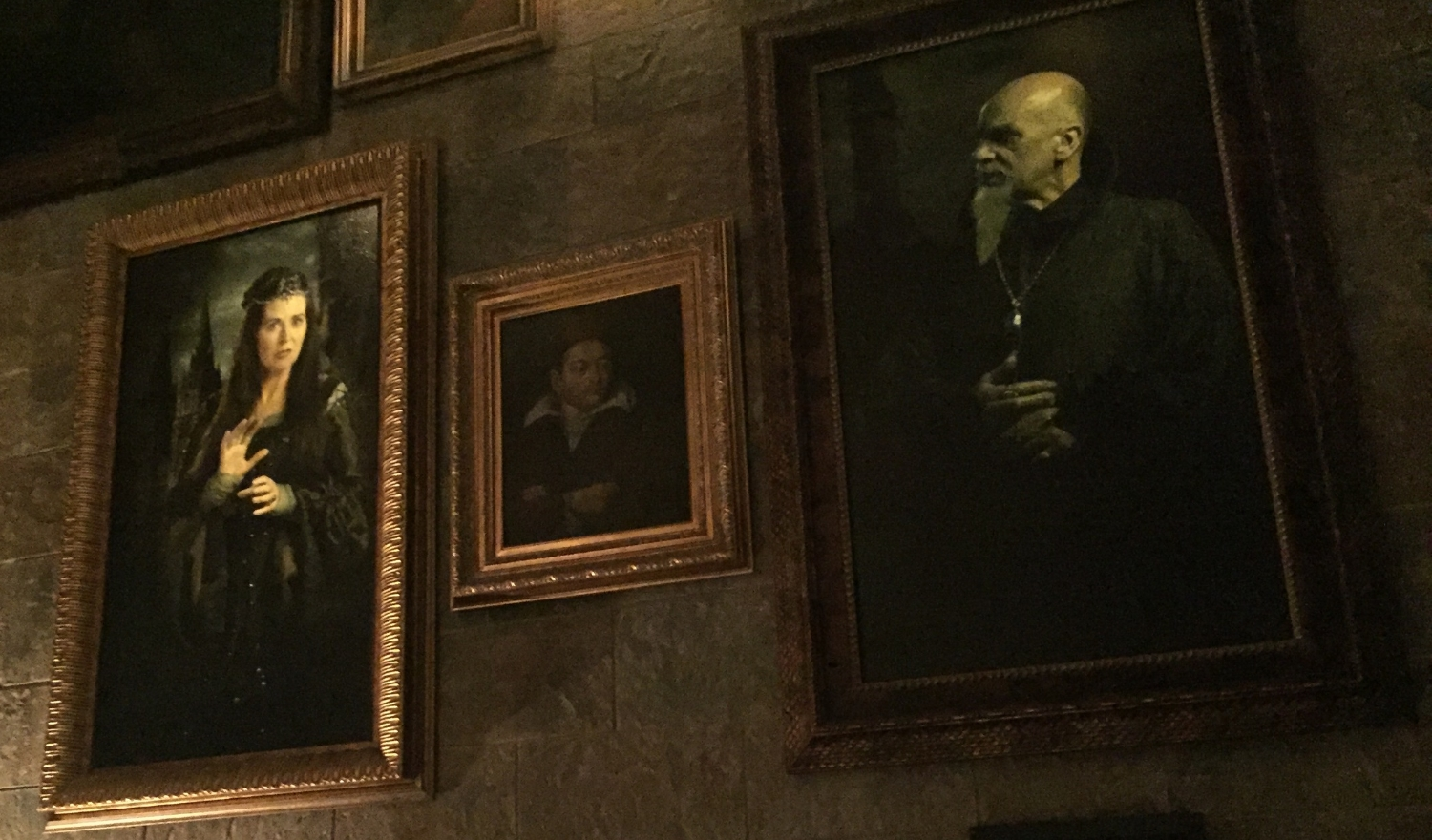 Many of the Portraits Move and Speak in the Forbidden Journey Queue