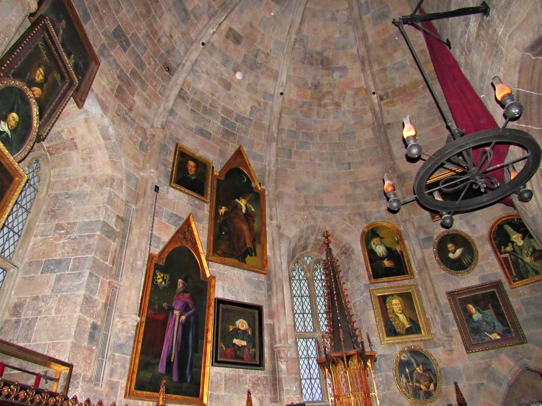 Portraits Located in Dumbledore's Office in Forbidden Journey