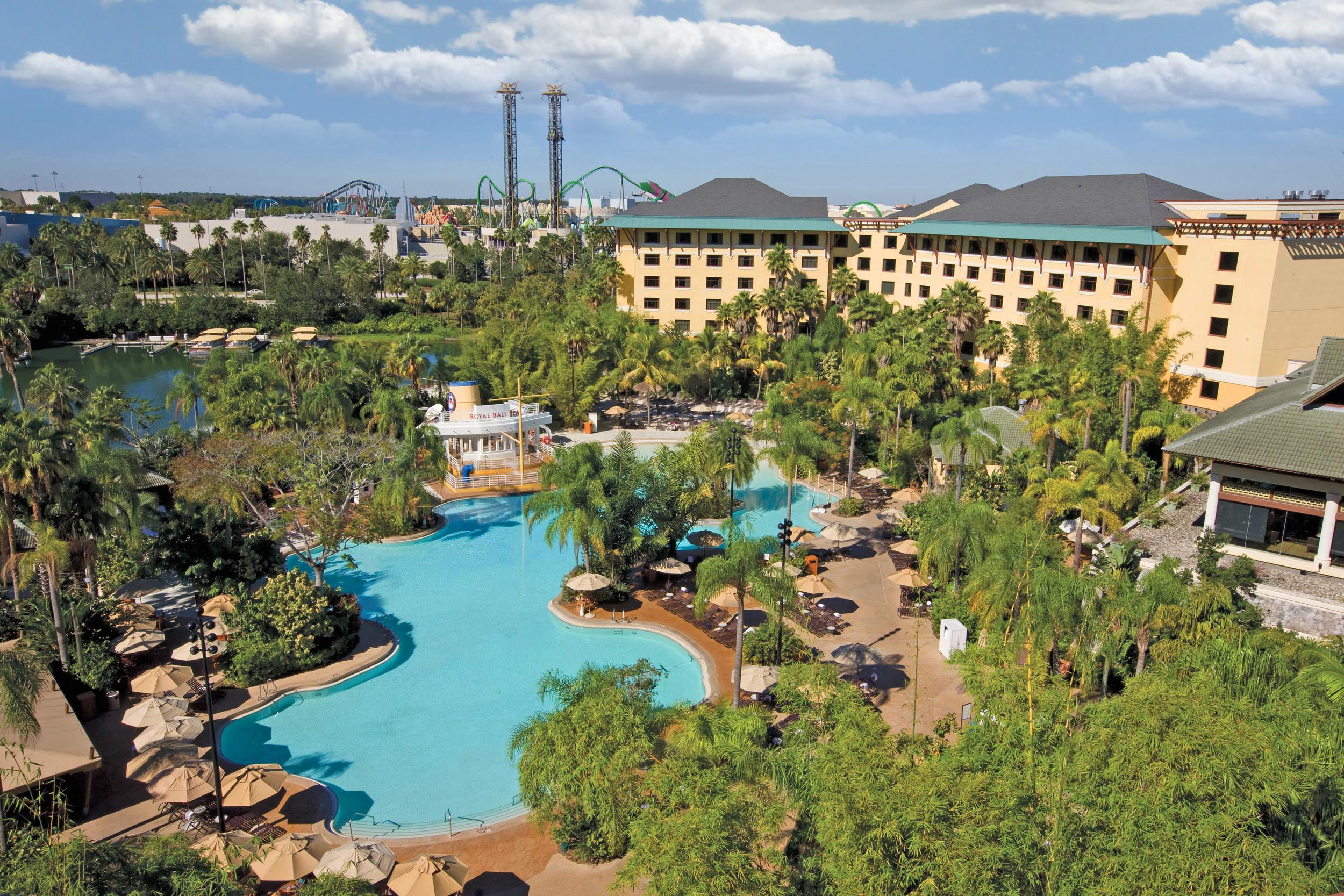 Loews Royal Pacific Resort pool. Image credit: Universal Orlando Resort.