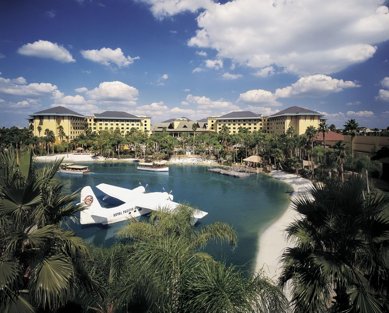 Loews Royal Pacific Resort lagoon. Image credit: Loews Hotels.