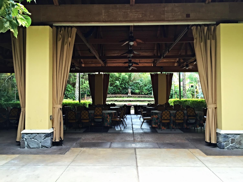 Wantilan Luau Seating