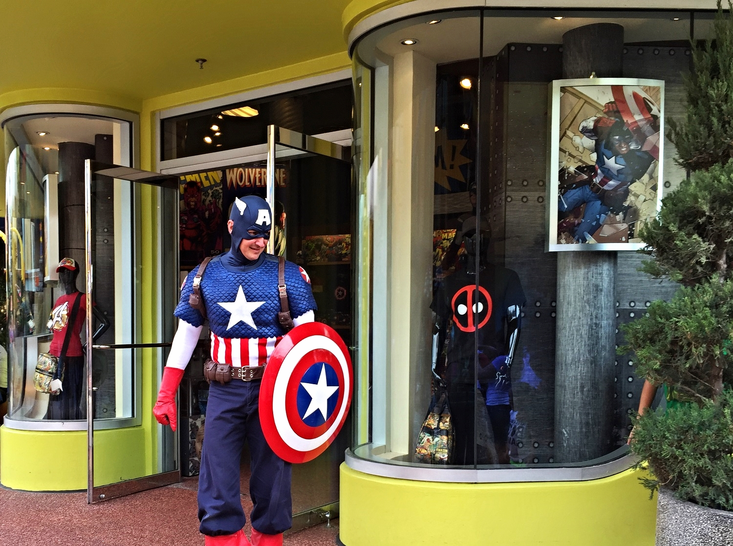Some of the characters that you can meet in Universal's Islands of Adventure include Marvel superheroes and villains, Seuss characters, comic strip characters, and Wizarding World characters.