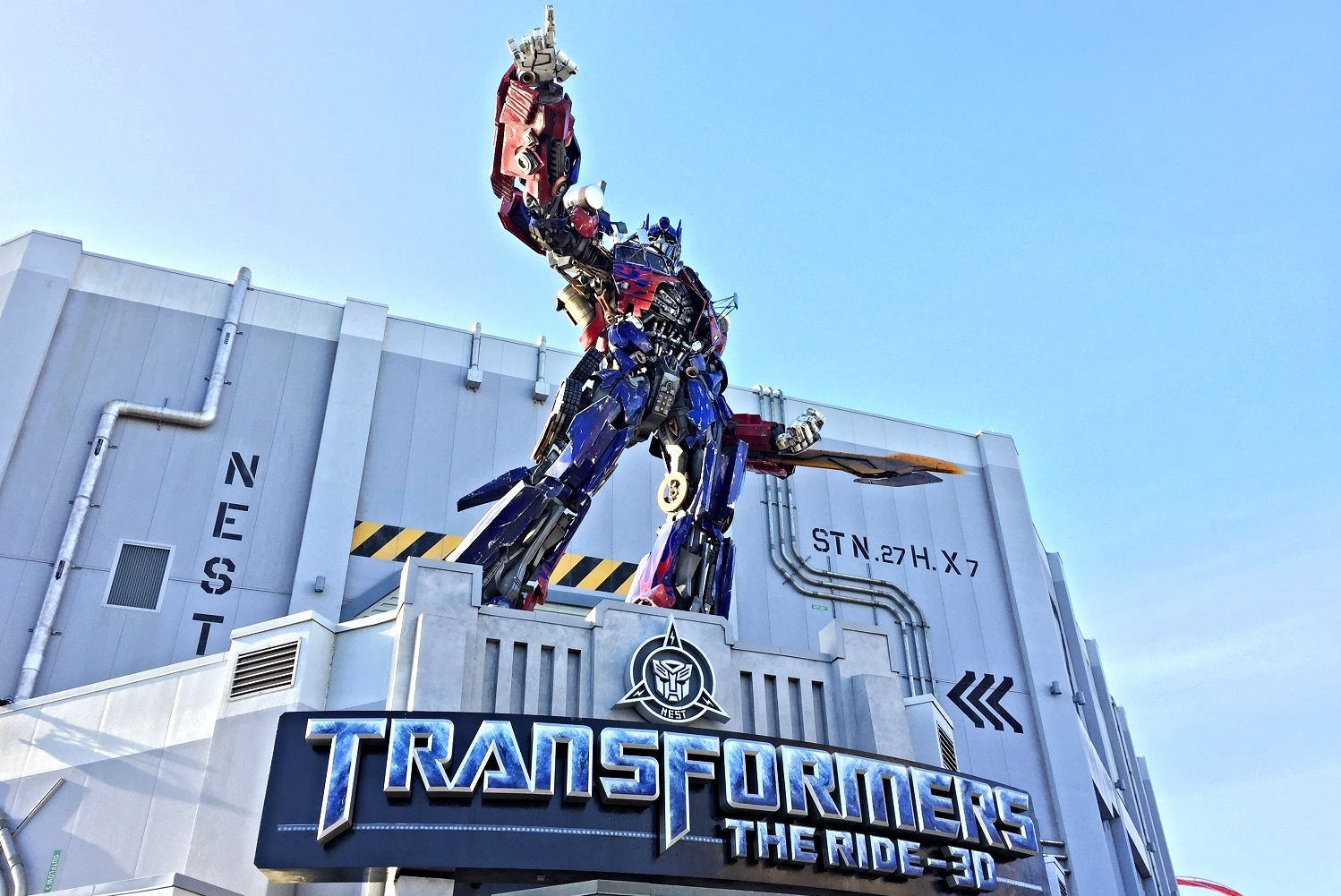 Read about TRANSFORMERS: The Ride-3D, a screen-based motion ride in Universal Studios Florida.