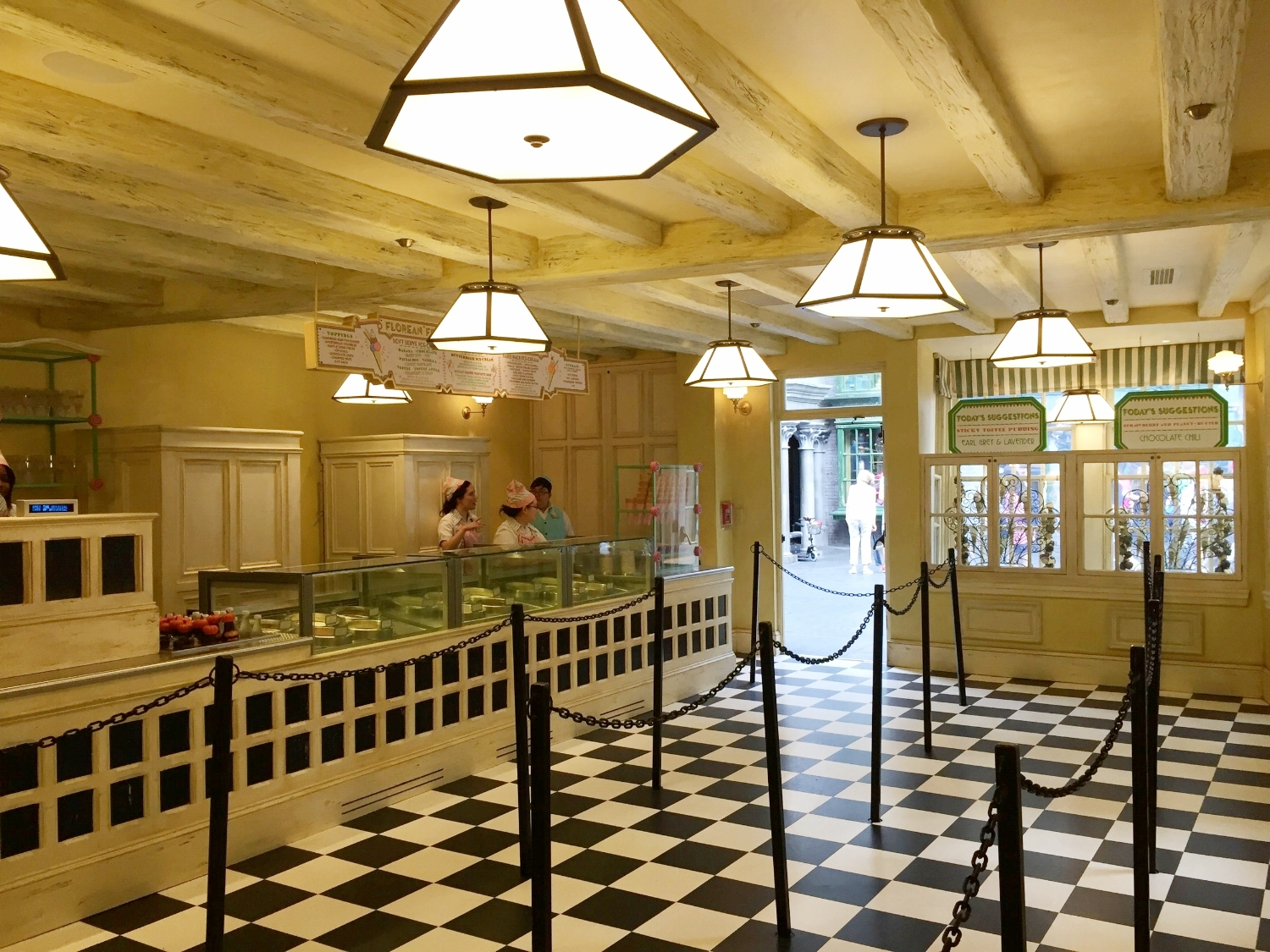 The inside of Florean Fortescue's Ice Cream Parlour consists of a counter and a queue. There is no seating.