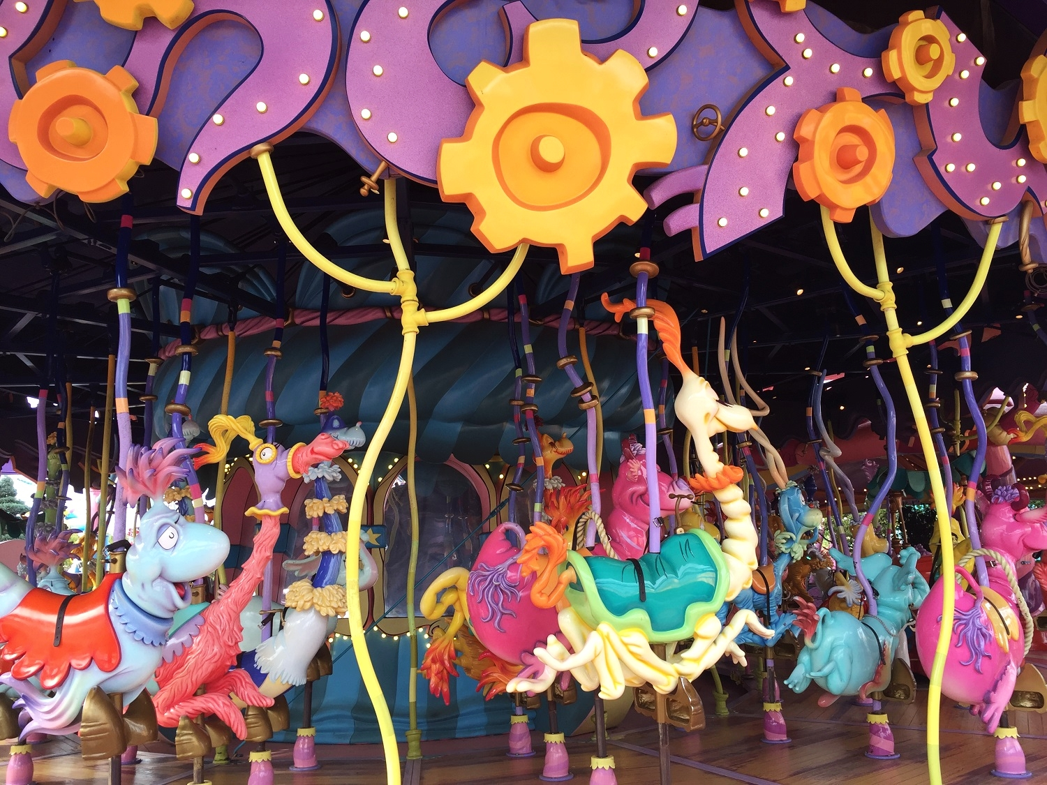 The Caro-Seuss-El at Islands of Adventure does not have minimum height requirements.