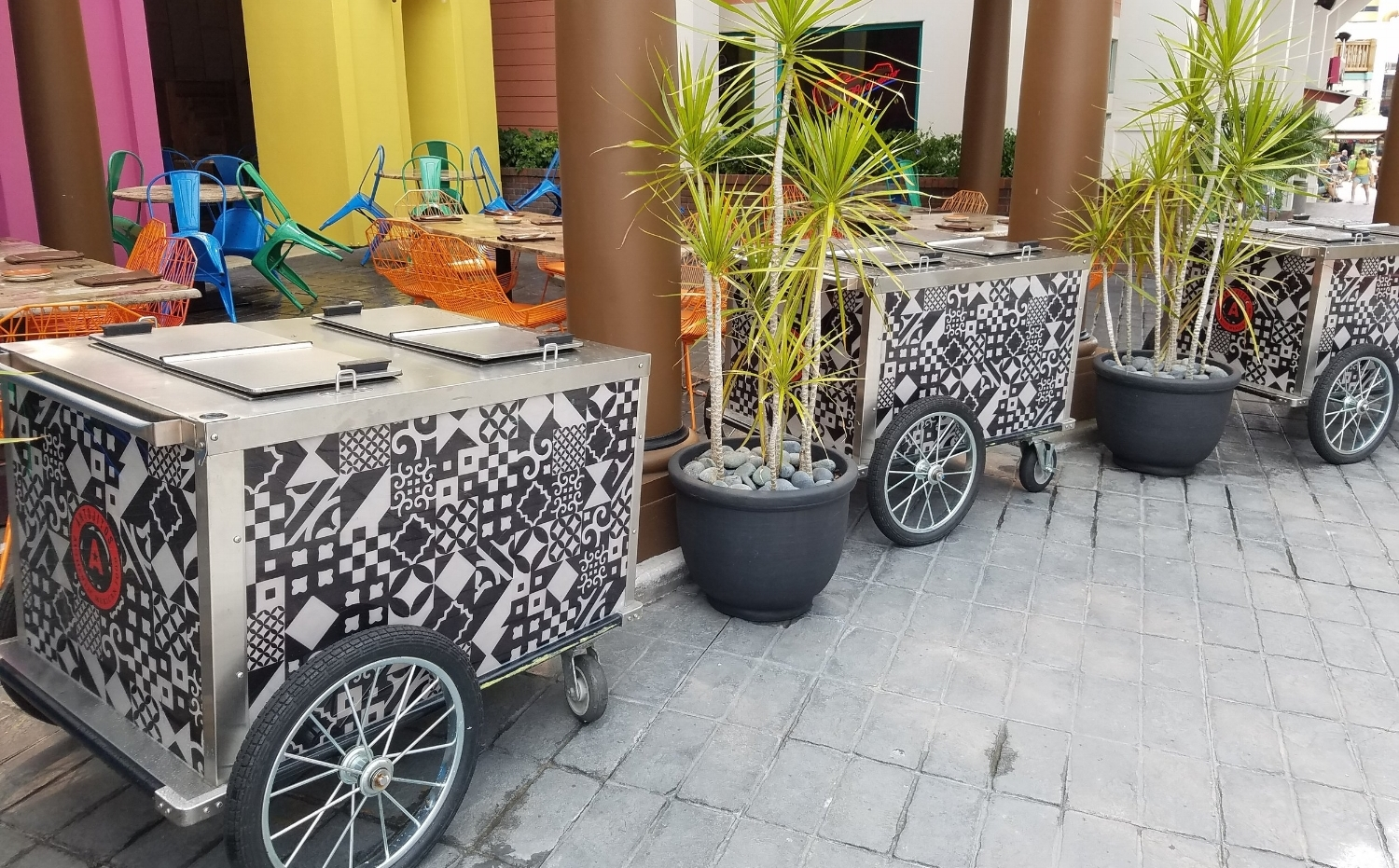 Drink carts in front of Antojitos.