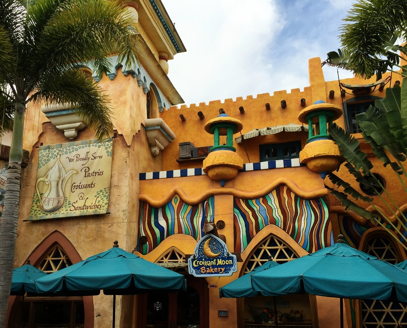 Croissant Moon Bakery in Islands of Adventure