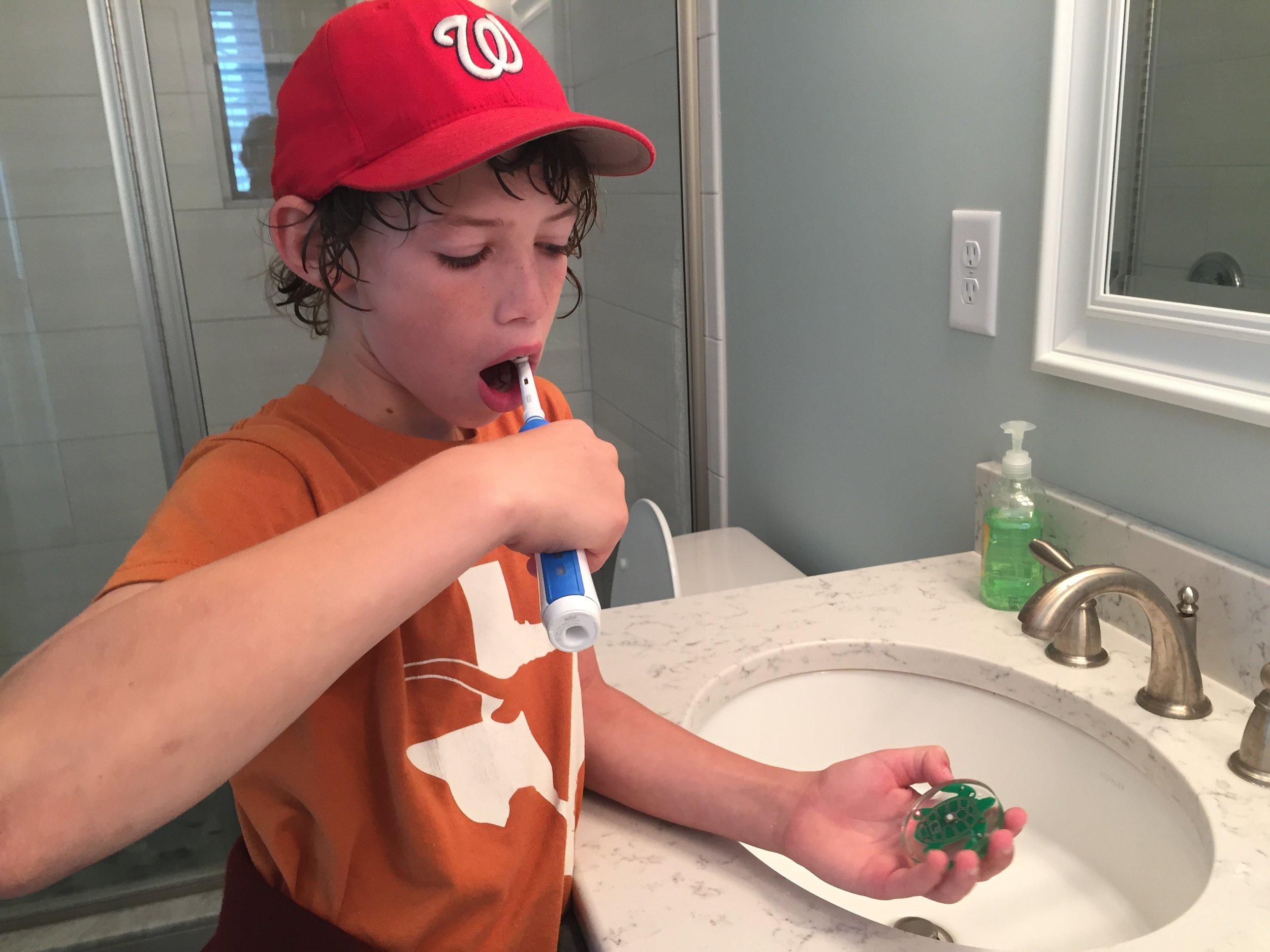two_minute_turlte_timer_helps_kids_brush_longer