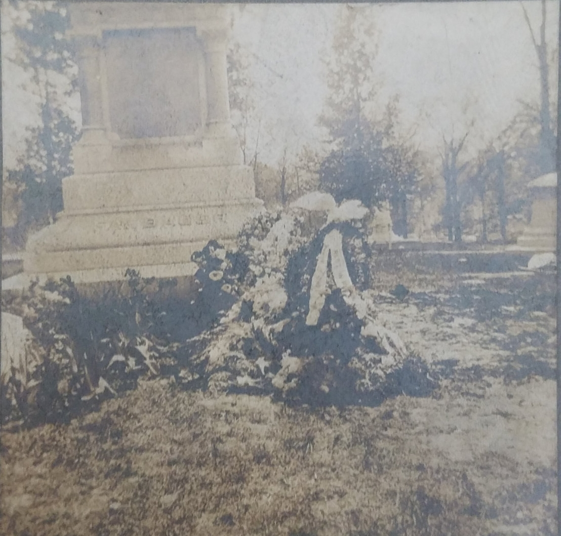 Antique graveside picture