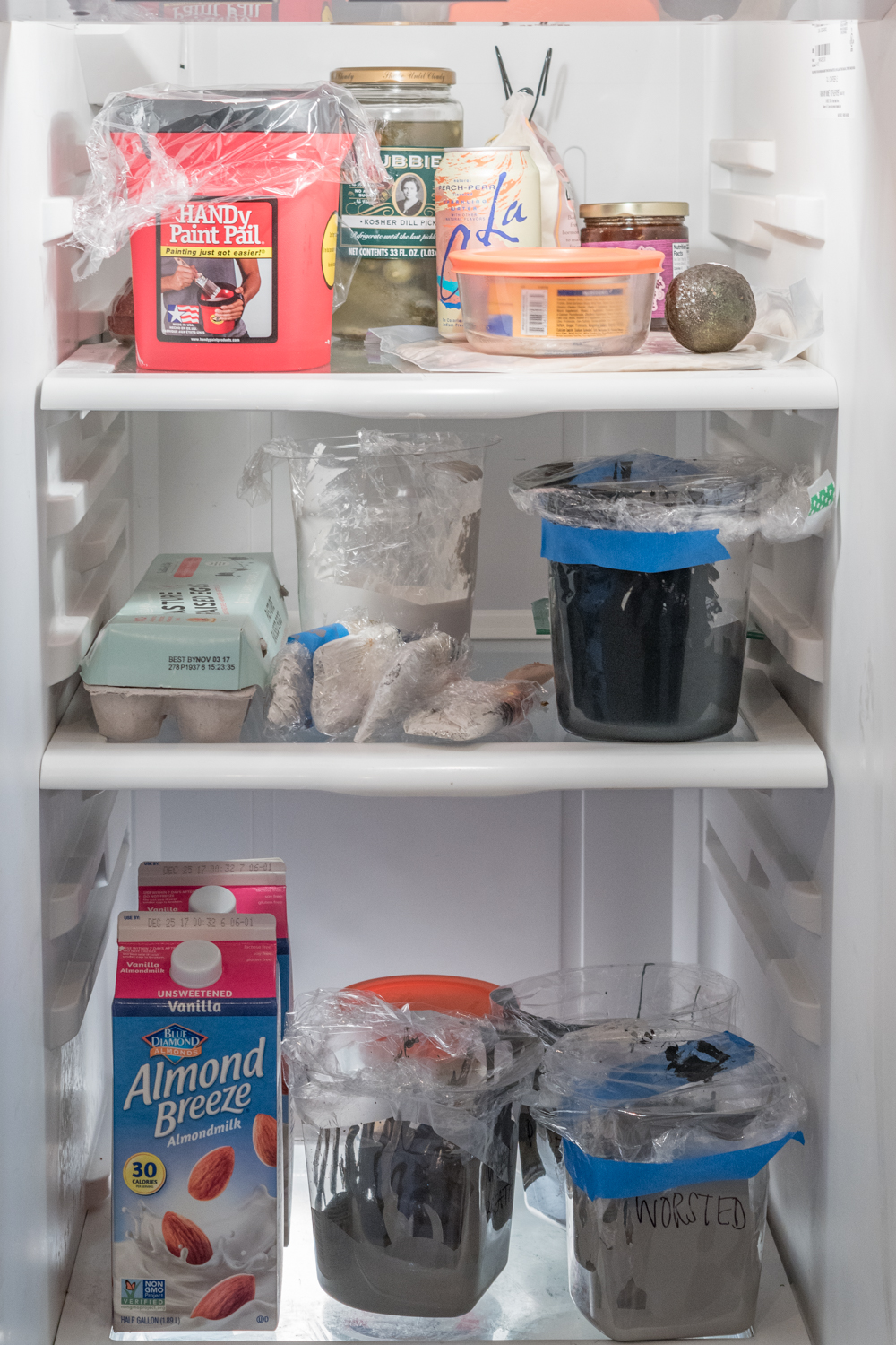 How to store paint in the fridge