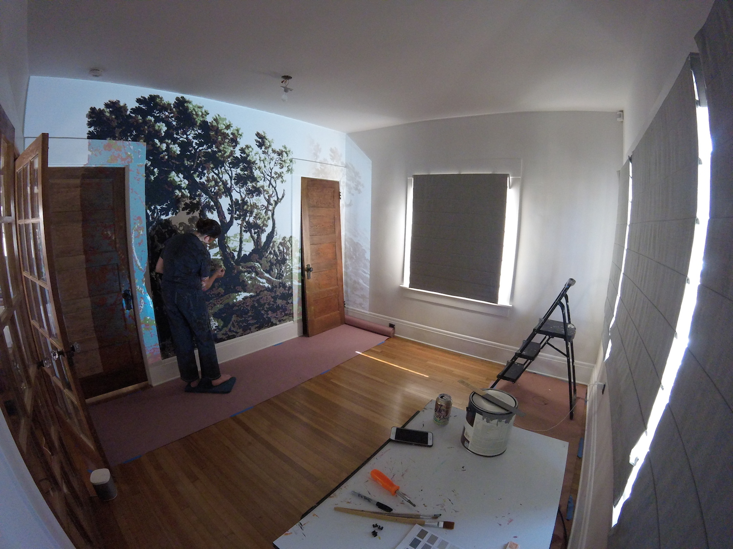 using a projector to paint a mural at home