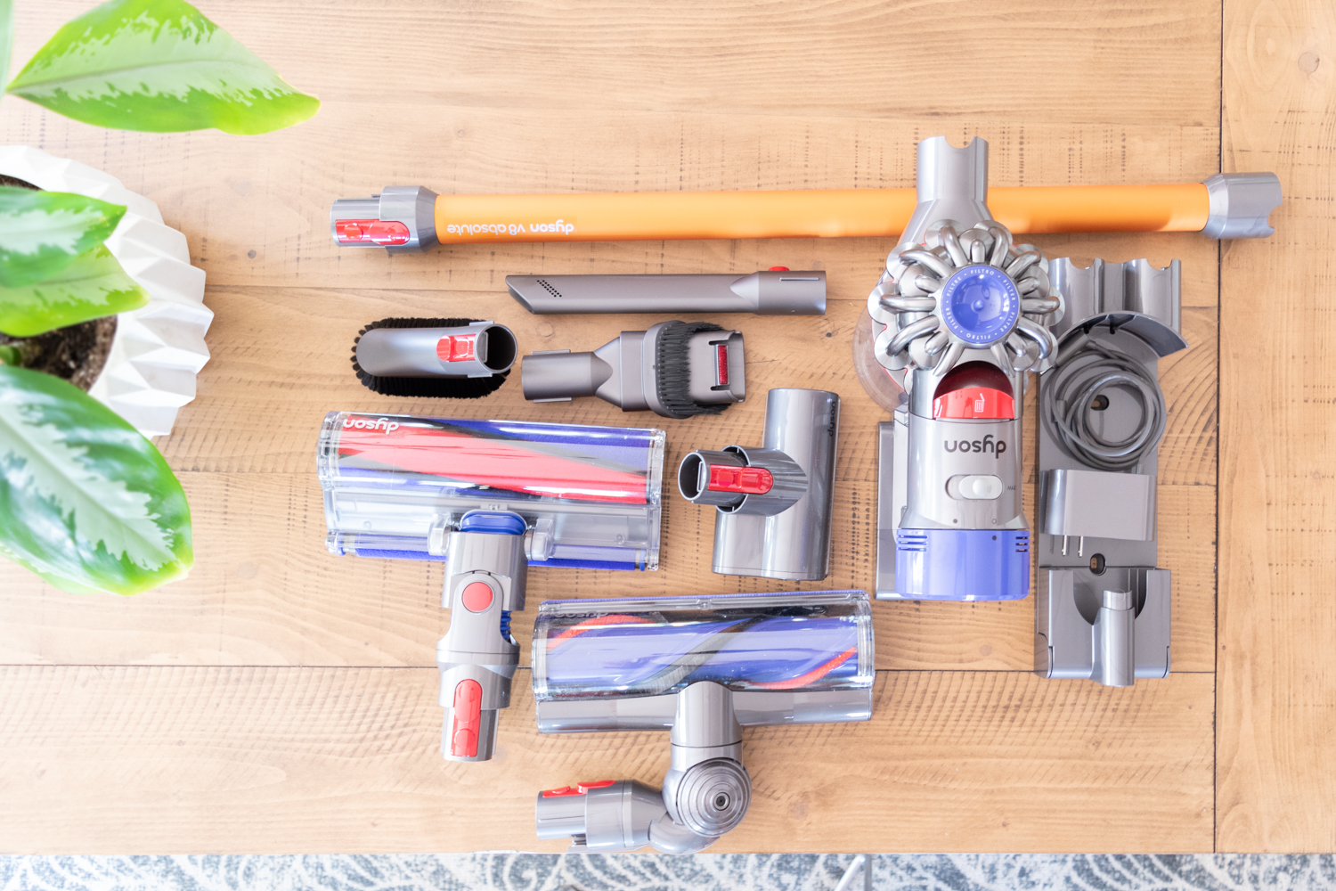 The Gold Hive Dyson V8 Review - Attachments