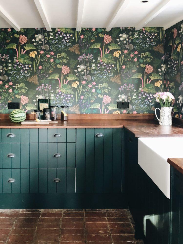 dark-green-kitchen-by-sophie-robinson-e1552902382583.jpg