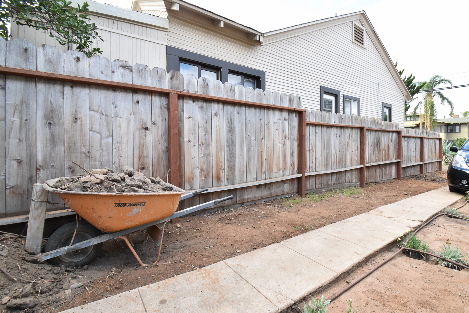 The Gold Hive How to Refresh a Fence - Powerwash-9952.jpg
