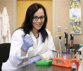 Tel-Array Scientist Dr. Kyla Hingwing in the lab as featured in The Province. Photograph by: Nick Procaylo, Province.