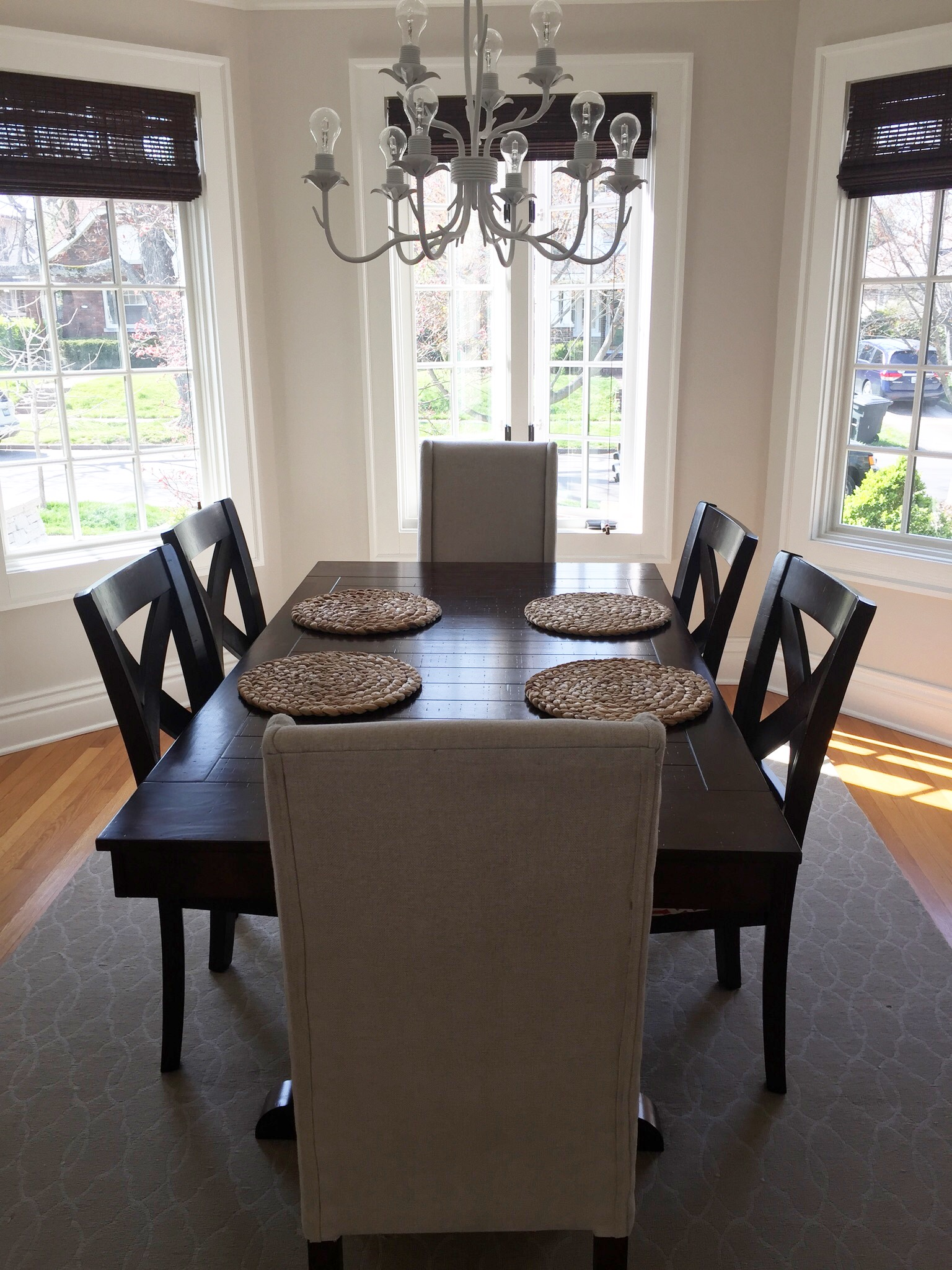 dining room table 1.JPG