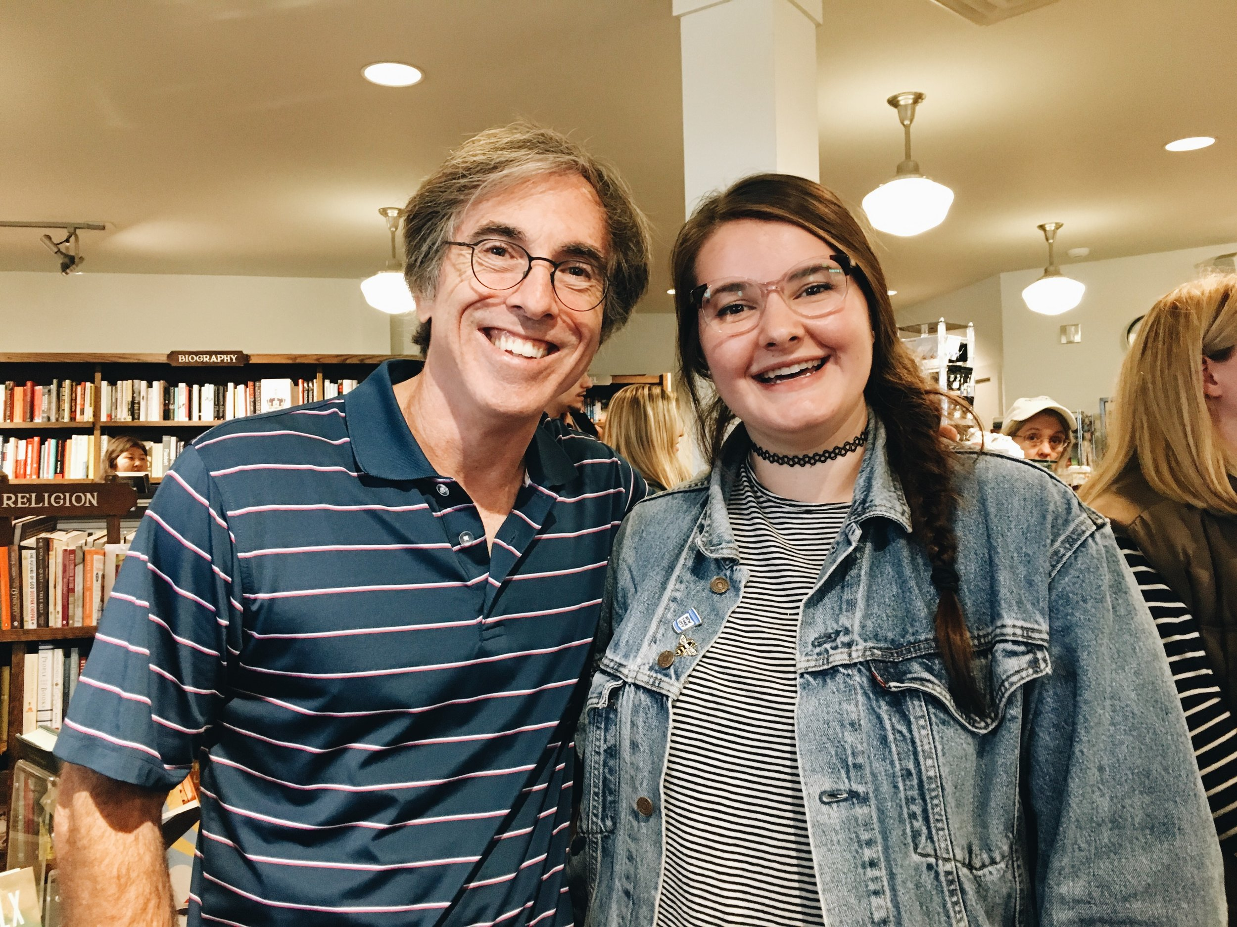 I met Andrew (Mike Gandolfi), the owner of Stars Hollow's bookstore, in Washington Depot's bookstore! Fitting!