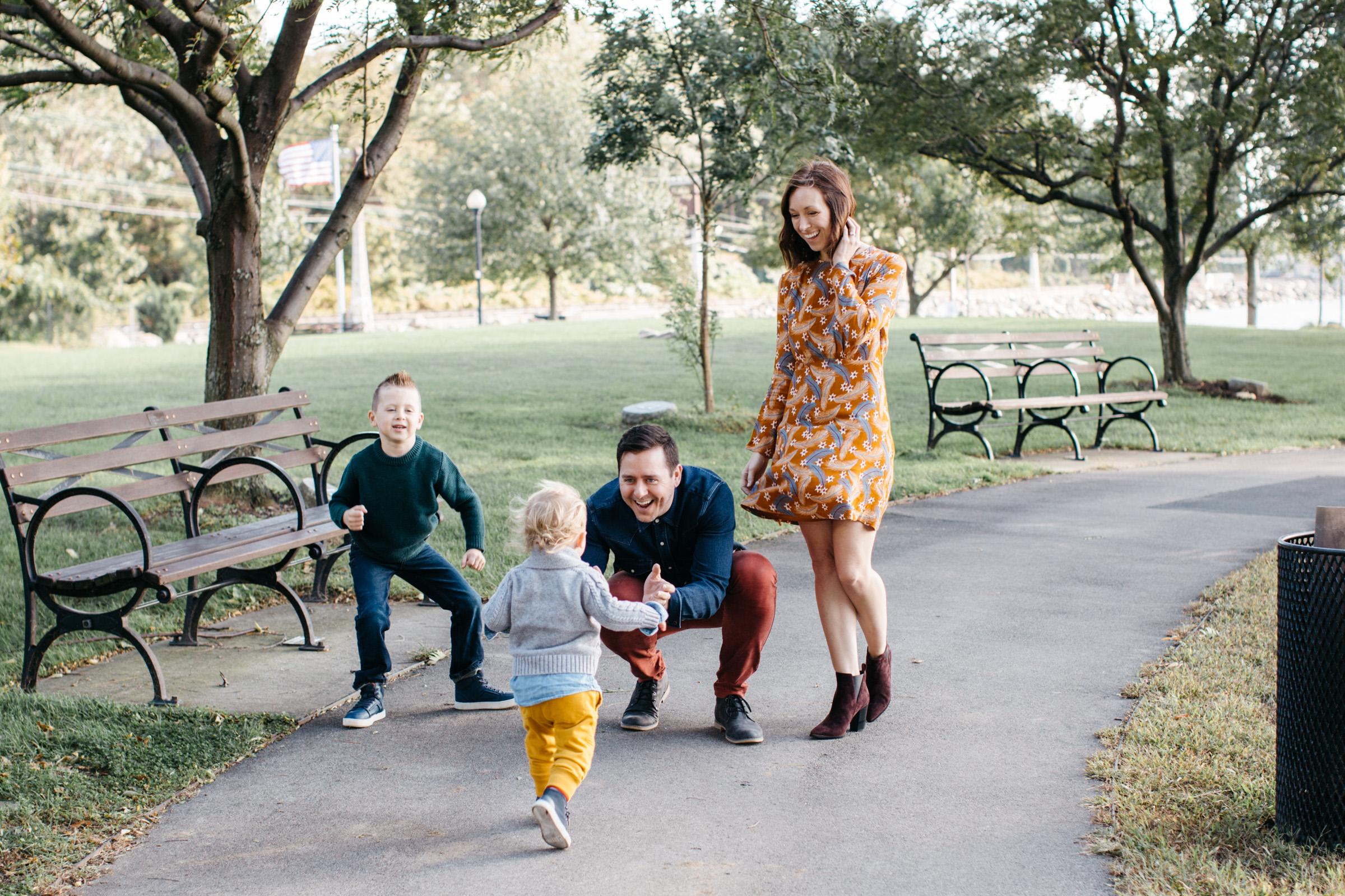 Knudsen Family + Grandparents-7.jpg