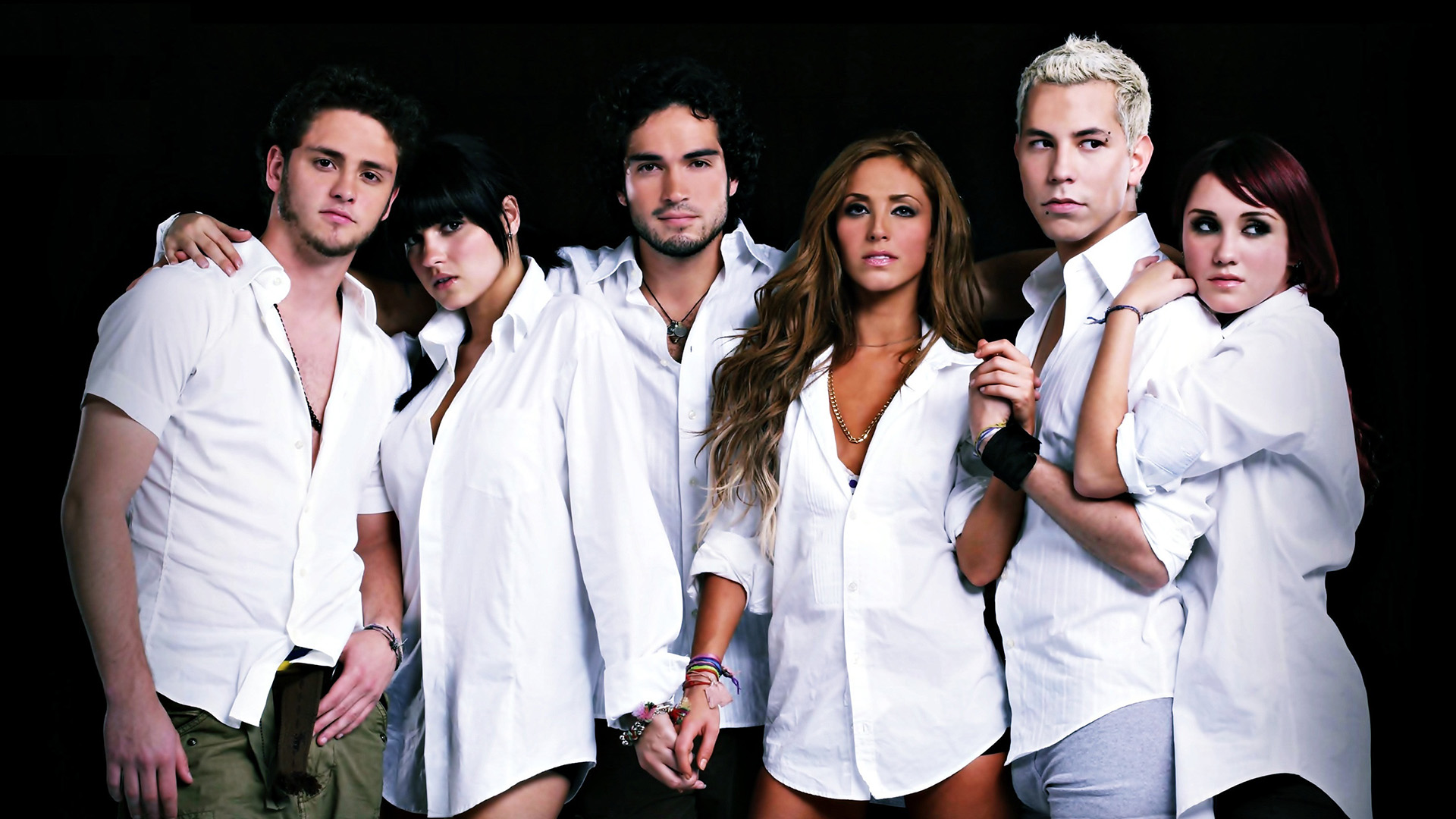 Left to Right: RBD (Christopher Von Uckermann, Maite Perroni, Alfonso Herrera, Anahi, Christian Chavez, and Dulce Maria)
