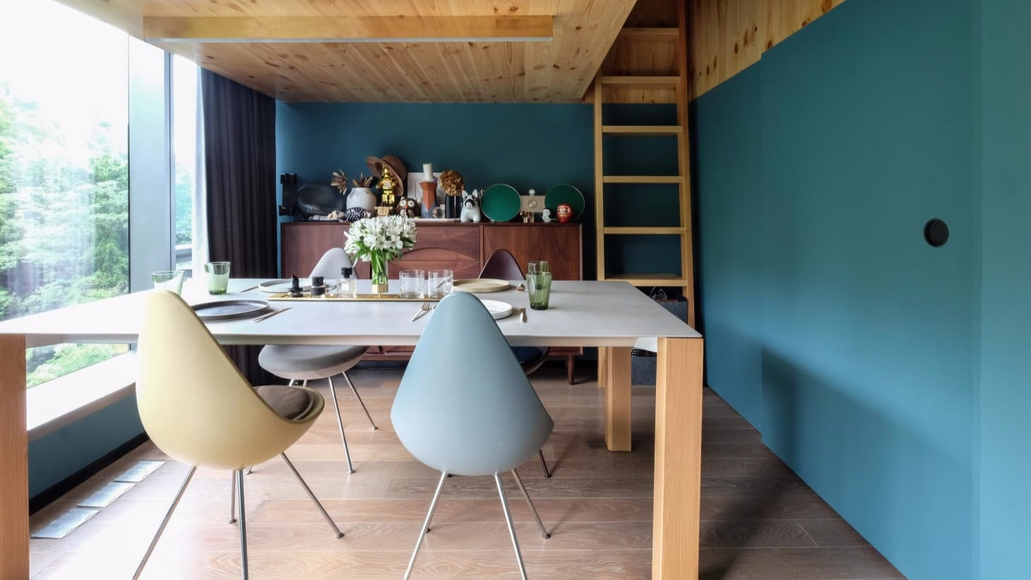 Apartment Therapy - How to Decorate Your Dining Room Table